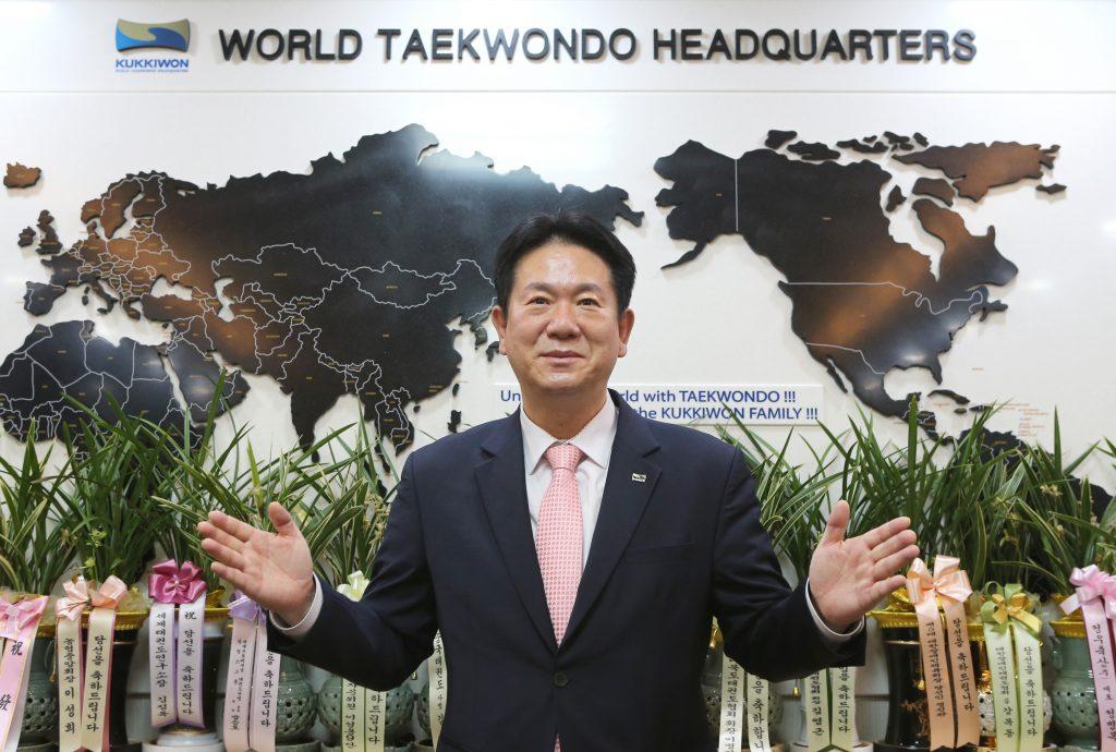 Großmeister Dong-Sup Lee ist neuer Präsident des Kukkiwon